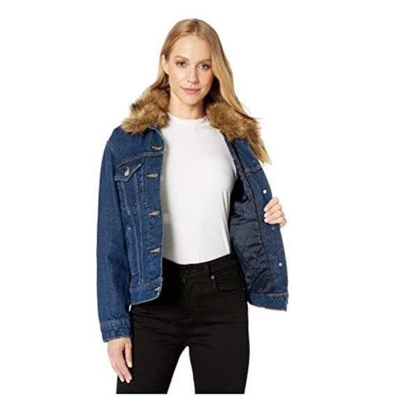 NWT Levi's Trucker Jean Denim Jacket XS